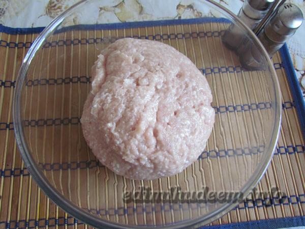 Делаем фарш для куриной колбасы