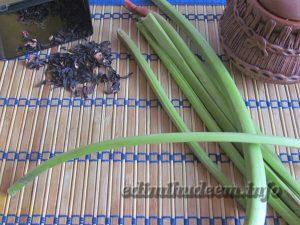 Как приготовить напиток из ревеня с каркаде и медом