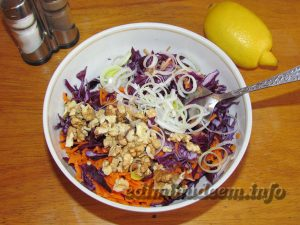 Рецепт салата с краснокочанной капустой.
