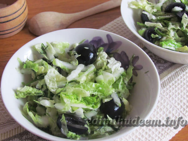 Салат с пекинской капустой и огурцом