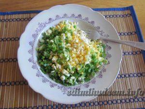 еврейский салат с сыром и чесноком