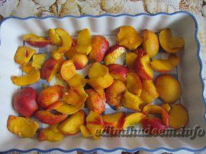 пирог на сметане с персиками
