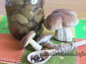 грибы лесные маринованные