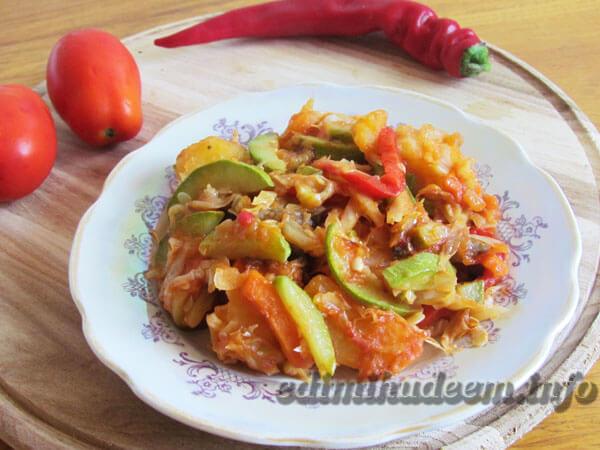 Рагу кабачки с капустой