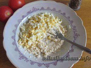 помидоры с сыром чесноком яйцом