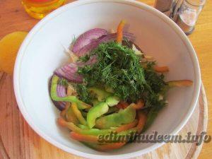 салат с кольраби и перцем