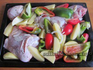 куриные голени с овощами в духовке