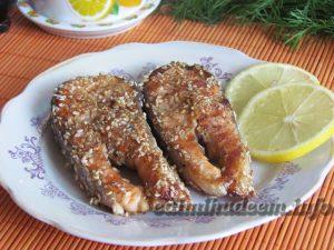 лосось с кунжутом и соевым соусом
