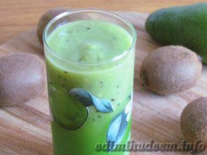 смузи с авокадо и киви